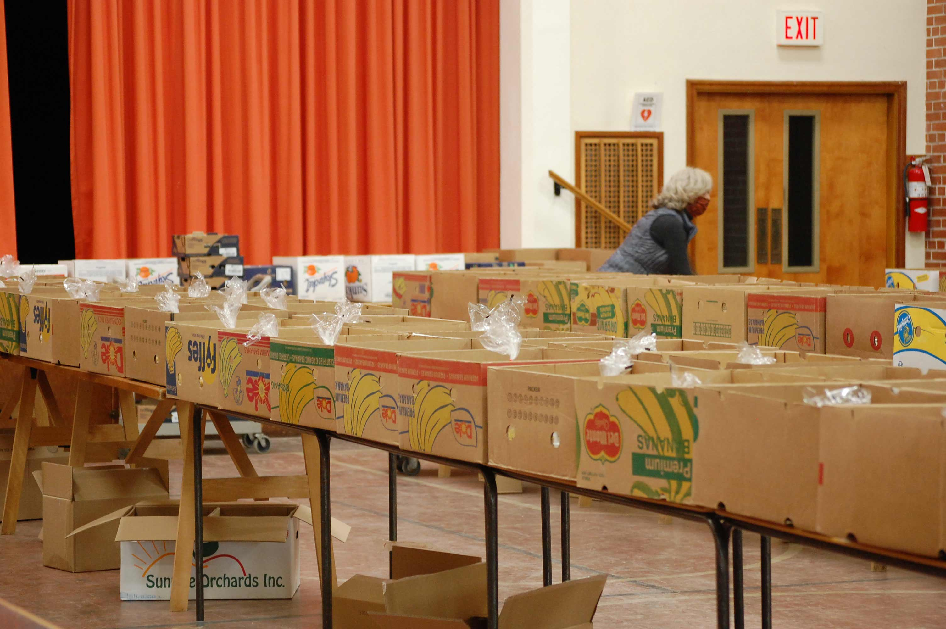 Emergency Food Box Packing Photo