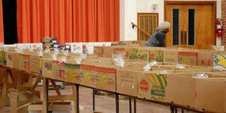 Emergency Food Box Packing Photo